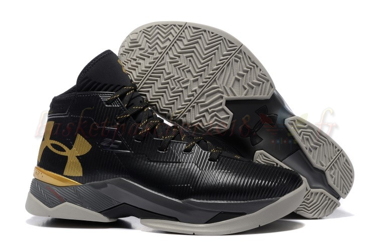 Vente Chaude Chaussures De Basketball Homme Under Armour Curry 2.5 Noir Or Pas Cher