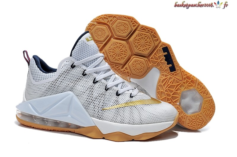 Vente Chaude Chaussures De Basketball Homme Nike Lebron 12 Blanc Or Pas Cher